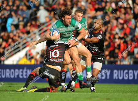Tom Penny - Newcastle is hauled down by F.Trinh-Duc and JP. Pietersen. RC Toulon v Newcastle Falcons, Heineken, European Cup, Stade Felix-Mayol, Toulon, France, Sunday 14th October 2018. ***Please credit: ©Fotosport/David Gibson***