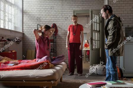 Lisa Tomaschewsky as Yvonne Edel, Matthias Lier as Krishna, Ludwig Trepte as Alex Edel
