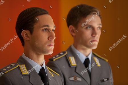 Ludwig Trepte as Alex Edel, Jonas Nay as Martin Rauch