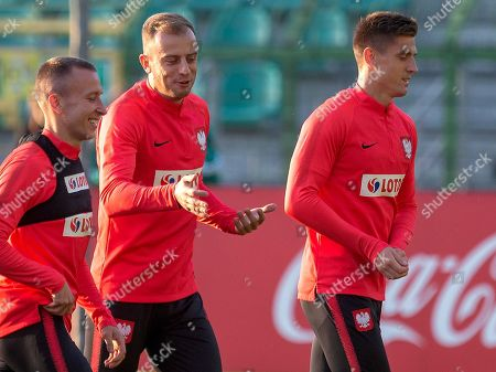 Polish national soccer team players Jacek Goralski (L), Kamil Grosicki (C) and Krzysztof Piatek (R) attends a training session in Katowice, Poland, 09 October 2018. Poland will face Portugal in their UEFA Nations League soccer match on 11 October in Chorzow.