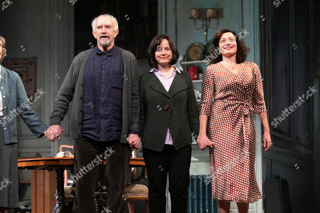 Stock Image of James Hillier (The Man), Anna Madeley (Elise), Jonathan Pryce (Andre), Eileen Atkins (Madeline), Amanda Drew (Anne) and Lucy Cohu (The Woman) during the curtain call