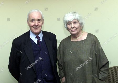 Tony Benn Long-term Labour Mp And Elizabeth Jane Howard Novelist And Former Wife Of Kingsley Amis Photographed At The Savoy Before Today's Daily Mail Lunch.picture Mike Floyd.