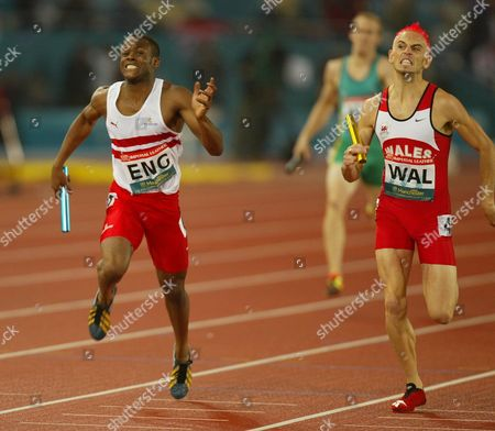 Commonwealth Games .... Manchester .....2002 ...mens 4x400m Picture Shows : England's Daniel Caines And Matthew Elias Finish .....
