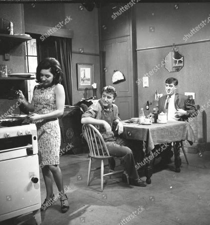 Jennifer Moss (as Lucille Hewitt), Peter Adamson (as Len Fairclough) and Ivan Beavis (as Harry Hewitt)