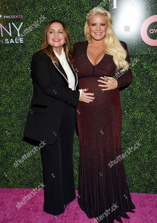"""Tina Simpson, Jessica Simpson. Fashion icon award honoree Jessica Simpson, right, and mother Tina Simpson attend QVC's """"FFANY Shoes on Sale"""" 25th anniversary gala at the Ziegfeld Ballroom, in New York"""