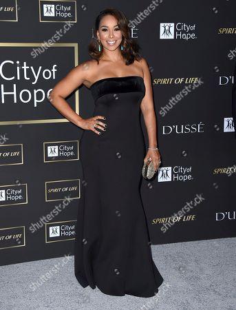 Gloria Govan arrives at the City of Hope Gala, at the Barker Hangar in Santa Monica, Calif