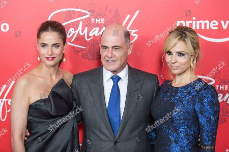 "Amanda Peet, Matthew Weiner, Cara Buono. Amanda Peet, left, Matthew Weiner, center, and Cara Buono attend the premiere of Amazon's new anthology series ""The Romanoffs"" at The Russian Tea Room, in New York"