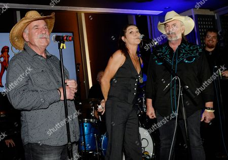 The Bellamy Brothers - David Bellamy and Howard Bellamy with Singer/Songwriter Gretchen Wilson (center)