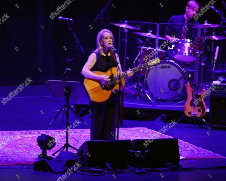 Stock Image of Mary Chapin Carpenter