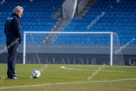 Iceland's head coach Erik Hamren attends a training session at the Laugardalsvoellur stadium in Reykjavik, Iceland, 14 October 2018. Iceland will face Switzerland in their UEFA Nations League soccer match on 15 October 2018.