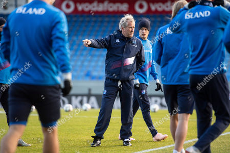 Iceland's head coach Erik Hamren (C) attends a training session at the Laugardalsvoellur stadium in Reykjavik, Iceland, 14 October 2018. Iceland will face Switzerland in their UEFA Nations League soccer match on 15 October 2018.