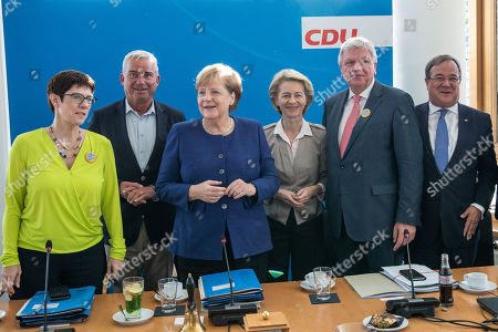 (L-R) CDU Secretary General Annegret Kramp-Karrenbauer, vice-chairman of the CDU Thomas Strobl, German Chancellor Angela Merkel, German Defense Minister Ursula von der Leyen, Deputy Leader of the Christian Democratic Union (CDU) Volker Bouffier and Armin Laschet (C), the Prime Minister of the German Federal state of North Rhine-Westphalia, pose for the cameras prior to a Federal Board Meeting of the Christian Democratic Union (CDU) at the CDU's headquarters in Berlin, Germany, 15 October 2018.