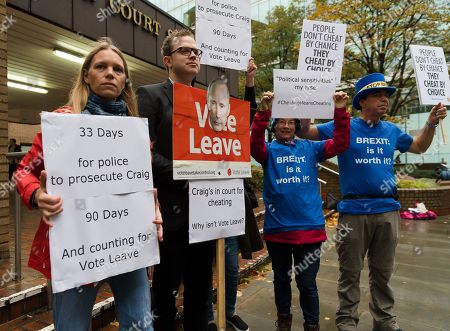 Anti Brexit protesters outside Southwark Crown Court