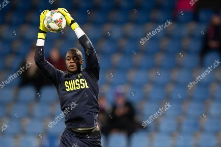 Switzerland's goalkeeper Yvon Mvogo prior to the UEFA Nations League soccer match between Iceland and Switzerland at the Laugardalsvoellur stadium in Reykjavik, Iceland, 15 October 2018.