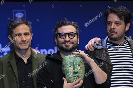Mexican actor Gael Garcia Bernal (L), director Alonso Ruizpalacios (C) and actor Leonardo Ortizgriz (R) attend a press conference to present the film 'Museo' at the Museum of Anthropology in Mexico City, Mexico, 15 October 2018. Garcia said that the shooting of the film by Alonso Ruizpalacios, was an opportunity 'that is not going to repeat itself' to live with archaeological pieces loaded with history, which, he jokes, made them acquire 'superpowers' to the project participants.