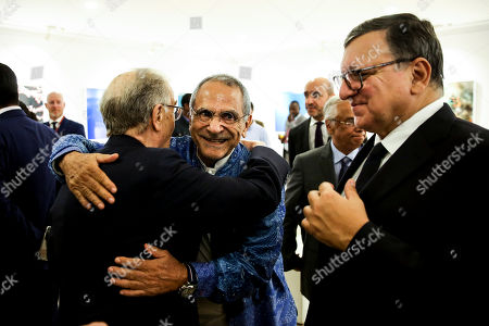 Former Portuguese President, Jorge Sampaio (L), flanked by former Portuguese Prime Minister and European Comission President, Durao Barroso (R), greets East Timor former President, Ramos Horta (C), during a dinner with 40 former heads of state at Ismaili Center, Lisbon, Portugal, 15 October 2018.