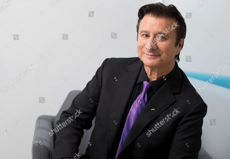 """This photo shows singer Steve Perry posing for a portrait in New York to promote """"Traces,"""" his first album almost 25 years"""
