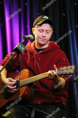 Nothing But Thieves - Conor Mason