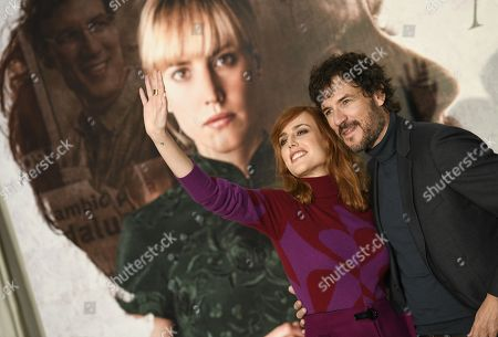 Spanish actors and cast members Natalia de Molina and Daniel Grao (R) pose for photographers during the presentation of the film 'Animales sin collar' (lit: Animals without collar) in Madrid, Spain, 16 October 2018.