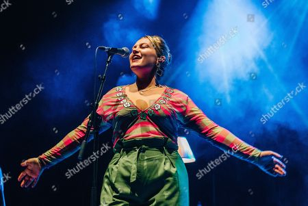 Stock Image of Elli Ingram plays Southampton Guildhall in support of Tom Grennan