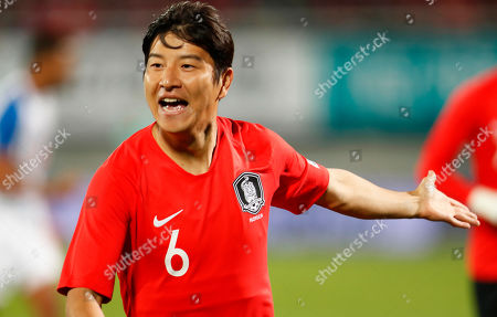Park Joo-ho of South Korea celebrates after scoring the opening goal during the International Friendly soccer match between South Korea and Panama at Cheonan Sports Complex in Cheonan, South Korea, 16 October 2018.