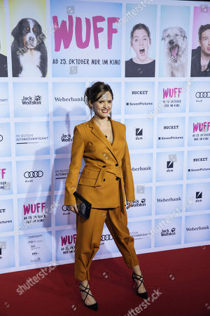 British actress Emily Cox arrives for the German film premiere of 'Wuff' at the Zoo palast cinema in Berlin, Germany, 17 October 2018. The movie by German director Detlev Buck opens in German cinemas on 25 October 2018.