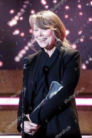 Sissy Spacek accepts the Artist of a Lifetime award for Loretta Lynn at the 2018 CMT Artists of the Year show at the Schermerhorn Symphony Center, in Nashville, Tenn