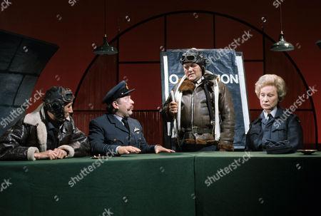 'The Les Dawson Show'   TV Picture shows - Eli Woods, Roy Barraclough, Les Dawson and Joan Sanderson