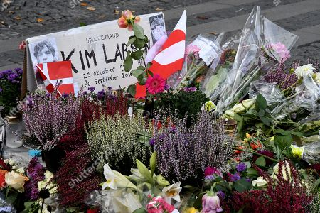 People pay their respects to Danish musician Kim Larsen, who died last Sunday.