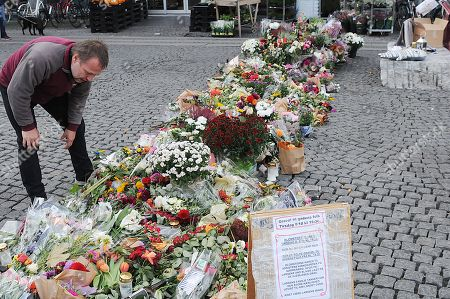 Stock Image of People pay their respects to Danish musician Kim Larsen, who died last Sunday.