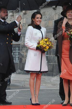 Princess Marie holding flowers