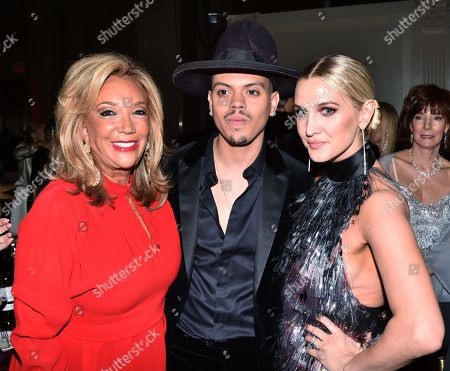 Stock Picture of Denise Rich, Evan Ross and Ashlee Simpson