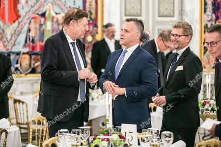 Former US Ambassador to Denmark Rufus Gifford (C) and Lord Mayor of Copenhagen Frank Jensen (R) during dinner at Christiansborg Castle in Copenhagen in connection with the P4G summit in Copenhagen, Denmark, 19 October 2018. P4G stands for Partnership for Green Growth and the Global Goals 2030 and is a global initiative that Denmark together with South Korea, Ethiopia, Vietnam, Chile, Mexico and Kenya behind.