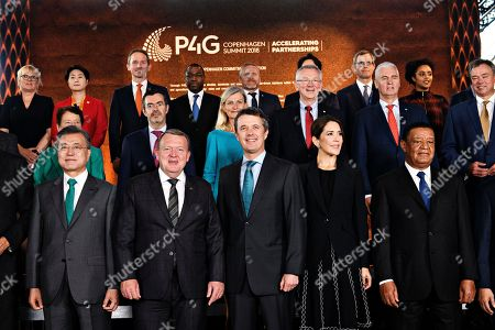 Front row from left to right: President of South Korea Moon Jae-in, Prime Minister of Denmark Lars Loekke Rasmussen, Crown Prince Frederik of Denmark, Crown Princess Mary of Denmark and President of Ethiopia Mulatu Teshome pose for a family portrait during day two of the P4G summit at the DR Koncerthuset in Copenhagen, 19 October 2018. P4G stands for Partnership for Green Growth and the Global Goals 2030 and is a global initiative which Denmark, along with South Korea, Ethiopia, Vietnam, Chile, Mexico and Kenya are involved in.
