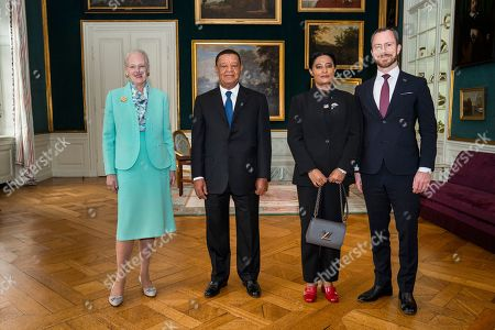 Denmark's Queen Margrethe (L) receives Ethiopian President Mulatu Teshome (2-L), his First Lady Meaza Abraham and Danish Minister of Environment Jakob Ellemann-Jensen (R) for an audiences in the Christian VII's mansion at Amalienborg Palace in Copenhagen, Denmark, 20 October 2018, on occasion of the P4G summit. P4G stands for Partnership for Green Growth and the Global Goals 2030 and is a global initiative which Denmark, along with South Korea, Ethiopia, Vietnam, Chile, Mexico and Kenya are involved in.