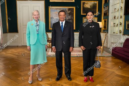 Denmark's Queen Margrethe (L) receives Ethiopian President Mulatu Teshome (C) and his First Lady Meaza Abraham for an audiences in the Christian VII's mansion at Amalienborg Palace in Copenhagen, Denmark, 20 October 2018, on occasion of the P4G summit. P4G stands for Partnership for Green Growth and the Global Goals 2030 and is a global initiative which Denmark, along with South Korea, Ethiopia, Vietnam, Chile, Mexico and Kenya are involved in.