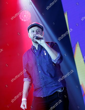 Matt Simons performs during the concert 'Cadena 100 por ellas' (Chain 100 for women), a benefit musical event by the Spanish Association Against Cancer, at the Sports Palace in Madrid, Spain, 20 October 2018.