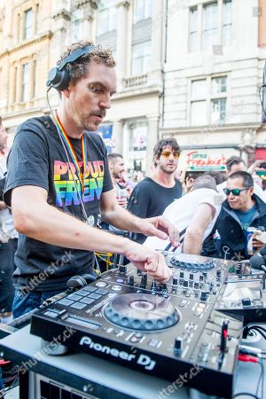 DJ Artwork (Arthur Smith) of Magnetic Man and BBC Radio 2 seen performing during a street party at Trafalgar Square, the end of the route of the People's March for a public vote on the final Brexit deal between the United Kingdom and the European Union