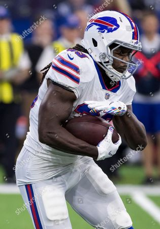 Buffalo Bills running back Chris Ivory (33) runs with the ball during NFL football game action between the Buffalo Bills and the Indianapolis Colts at Lucas Oil Stadium in Indianapolis, Indiana. Indianapolis defeated Buffalo 37-5