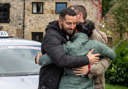 Ep 8303 Friday 2nd November 2018 Ross Barton, as played by Michael Parr, is upset but prepares to go alone, he says some emotional goodbyes. Will he really leave alone? With Pete Barton, as played by Anthony Quinlan ; Moira Dingle, as played by Natalie J Robb.
