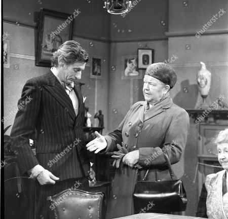 Gordon Rollings (as Charlie Moffitt) and Violet Carson (as Ena Sharples)