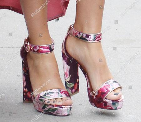 Tae Dye, shoe detail