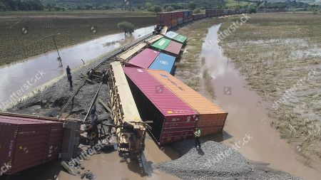 A Kansas City Southern train is derailed in the Morelia-Charo stretch, following the heavy rains and storms that hit Mexico and proximity of hurricane Willa advancing to the Mexican coast, in the state from Michoacan, Mexico, 23 October 2018. Willa, a category 4 hurricane, continues to approach the Mexican coast, while storm Vicente was downgraded to tropical depression, reported today the National Meteorological Service (SMN), which announced torrential rainfall in the west of the country.
