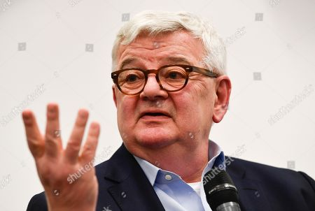 German politician and writer Joschka Fischer speaks during an election campaign of the Green party (Buendnis 90/Die Gruenen) in Frankfurt am Main, Germany, 23 October 2018. The German state of Hesse holds parliamentary elections on 28 October 2018.