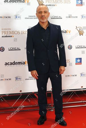 Javier Gutierrez poses for the photographers upon arrival at TV Iris Awarding Ceremony in Madrid, Spain, 23 October 2018.