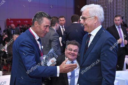 Former NATO Secretary General Anders Fogh Rasmussen (L) and Minister of Foreign Affairs of Poland Jacek Czaputowicz (R) talk to each other during the first day of the Warsaw Security Forum 2018 in Warsaw, Poland, 24 October 2018. The forum is organized by the Casimir Pulaski Foundation in cooperation with the National Security Bureau.