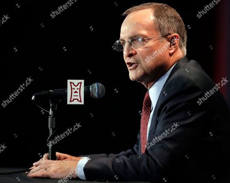 Oklahoma coach Lon Kruger during the Big 12 conference NCAA college basketball media day in Kansas City, Mo