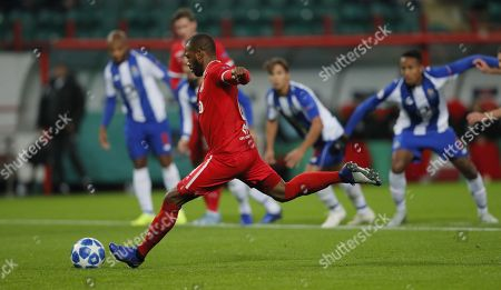 Manuel Fernandes of FC Lokomotiv Moscow in action during the UEFA Champions League Group D soccer match between Lokomotiv Moscow and Porto at the Lokomotiv stadium in Moscow, Russia, 24 October 2018.