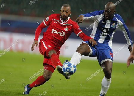 Manuel Fernandes (L) of FC Lokomotiv Moscow in action against Danilo Pereira (R) of FC Porto during the UEFA Champions League Group D soccer match between Lokomotiv Moscow and Porto at the Lokomotiv stadium in Moscow, Russia, 24 October 2018.