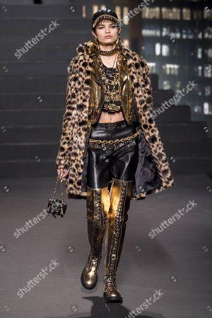 Stock Photo of Isabella Emmack on the catwalk